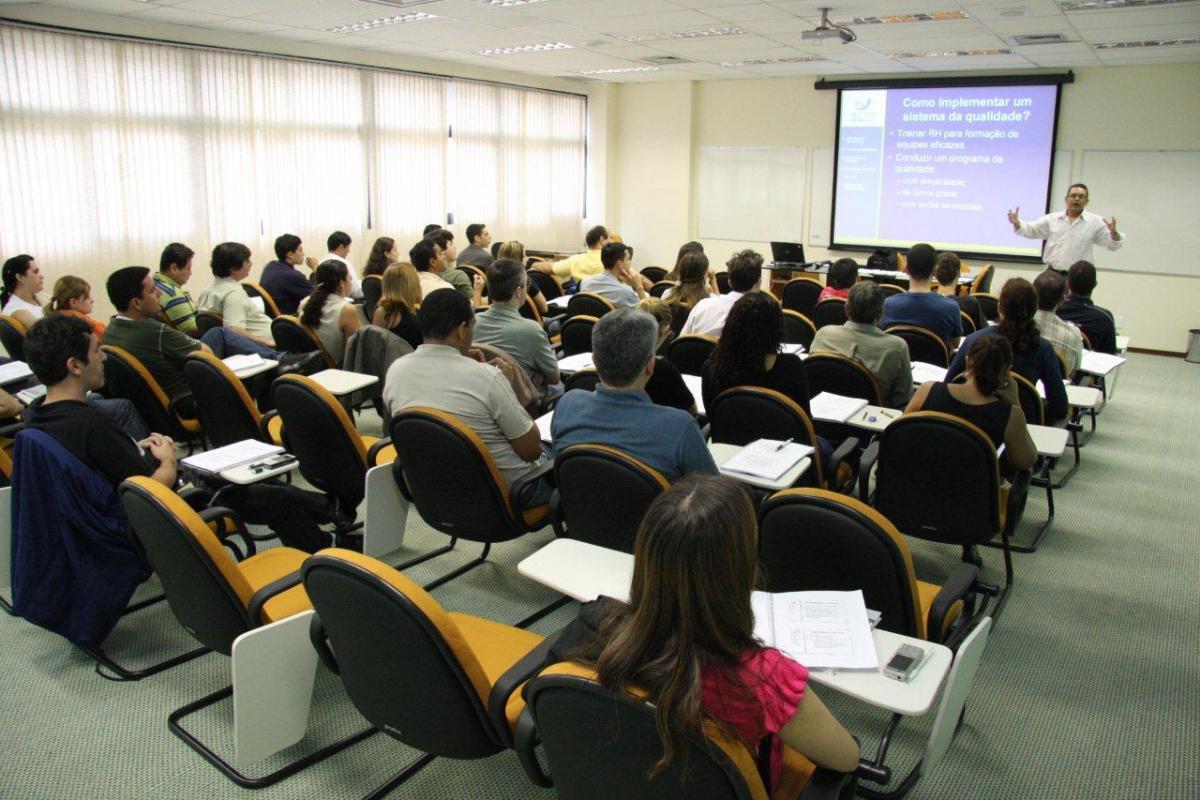 Empreenda A Diferença Entre Pós-Graduação E Casa Médica curso1